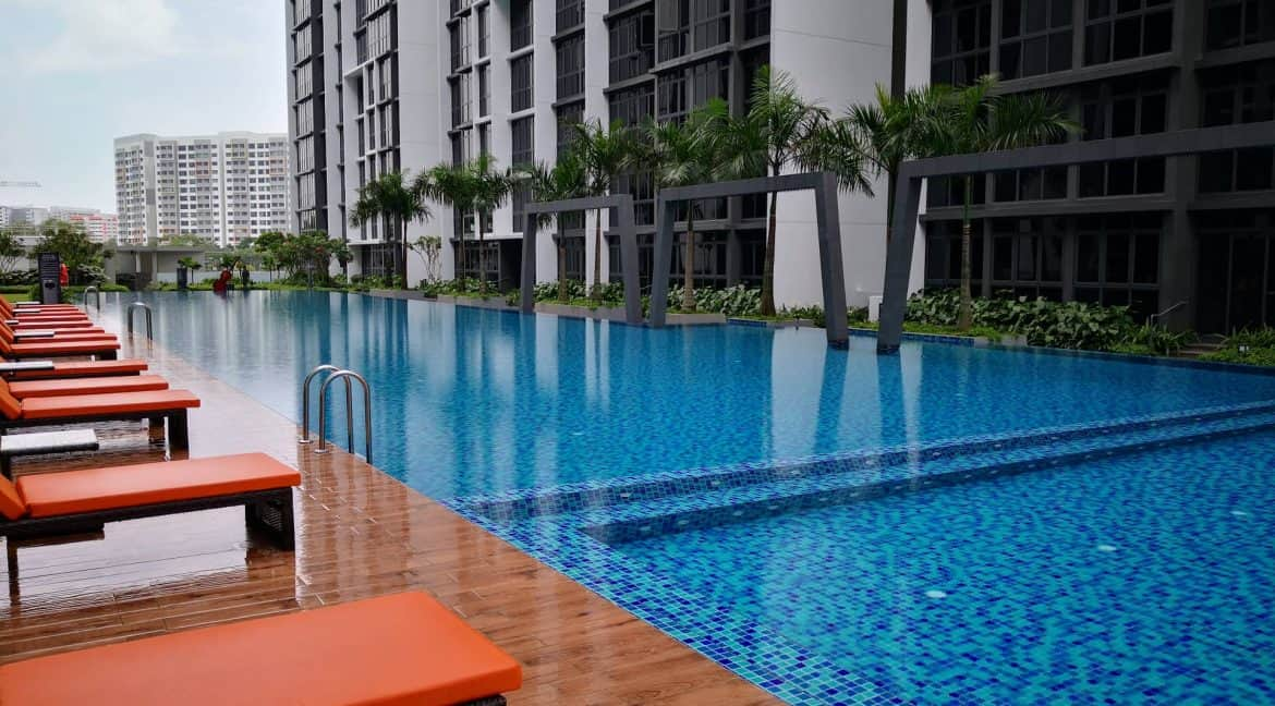 Symphony Suites 2 bedrooms for short term rent - Pool